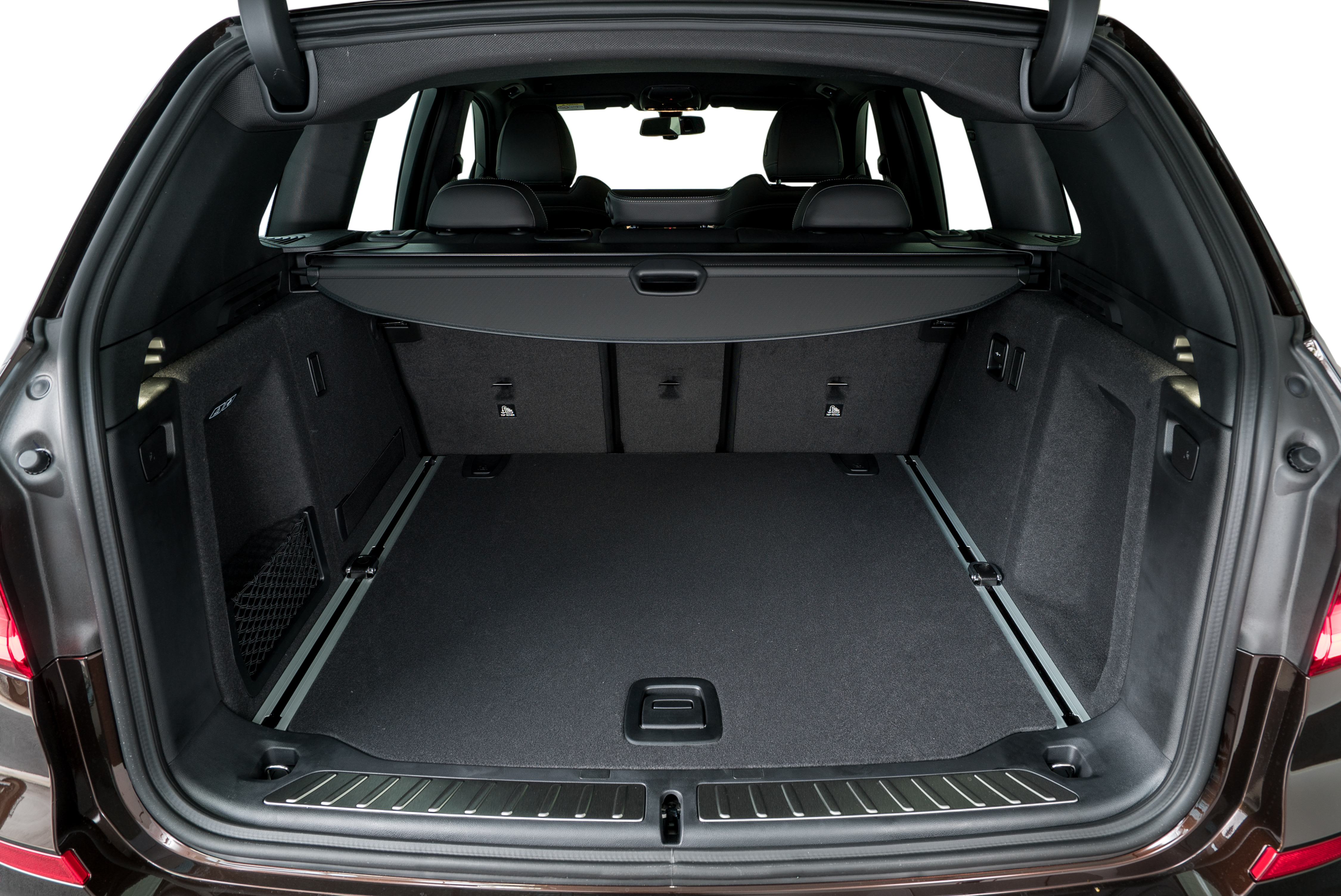Boot E Is Huge As Well With A Capacity Of 550 Litres That Can Be Expanded To 1 600 When The Rear Seats Are Folded Down